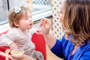 From Purees to Carrot Sticks – When is Baby Ready for New Foods?